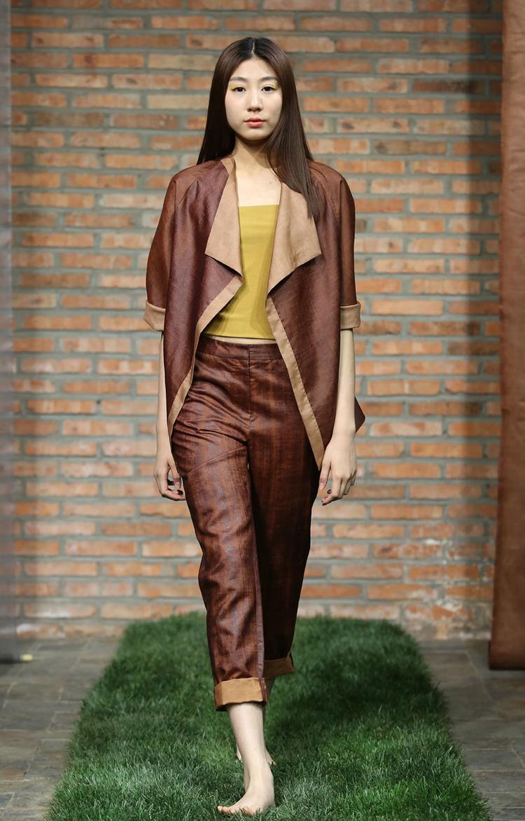 Cinnamon tea-silk jacket with contrasting edges // straight cut cinnamon tea- silk pants