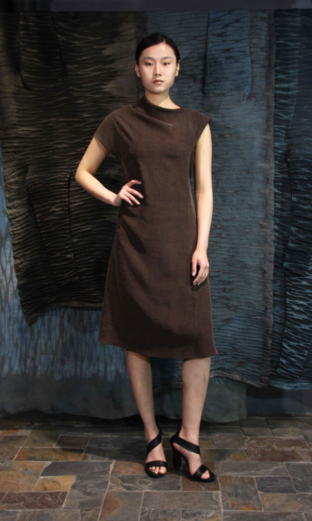 "28-20 Shuliang and iron rust treated tea-silk dress  /   薯莨和铁锈处理手工染色香云纱连衣裙                                                                                                                                                                                                                                                                                                        /* Style Definitions */  table.MsoNormalTable 	{mso-style-name:""Table Normal""; 	mso-tstyle-rowband-size:0; 	mso-tstyle-colband-size:0; 	mso-style-noshow:yes; 	mso-style-priority:99; 	mso-style-qformat:yes; 	mso-style-parent:""""; 	mso-padding-alt:0in 5.4pt 0in 5.4pt; 	mso-para-margin-top:0in; 	mso-para-margin-right:0in; 	mso-para-margin-bottom:10.0pt; 	mso-para-margin-left:0in; 	line-height:115%; 	mso-pagination:widow-orphan; 	font-size:11.0pt; 	font-family:""Calibri"",""sans-serif""; 	mso-ascii-font-family:Calibri; 	mso-ascii-theme-font:minor-latin; 	mso-hansi-font-family:Calibri; 	mso-hansi-theme-font:minor-latin; 	mso-bidi-font-family:""Times New Roman""; 	mso-bidi-theme-font:minor-bidi;}"