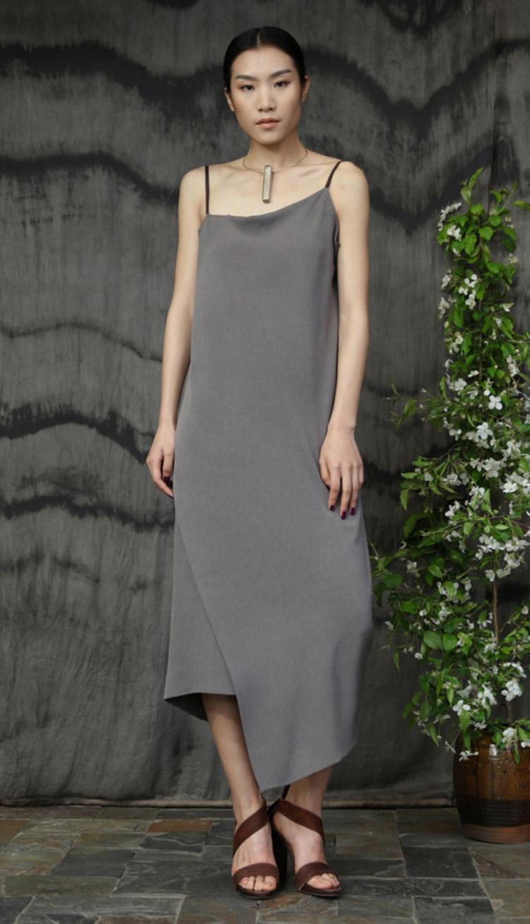 五倍子植物手工染色吊带裙/Gallnut natural dyed silk crepe strap dress.