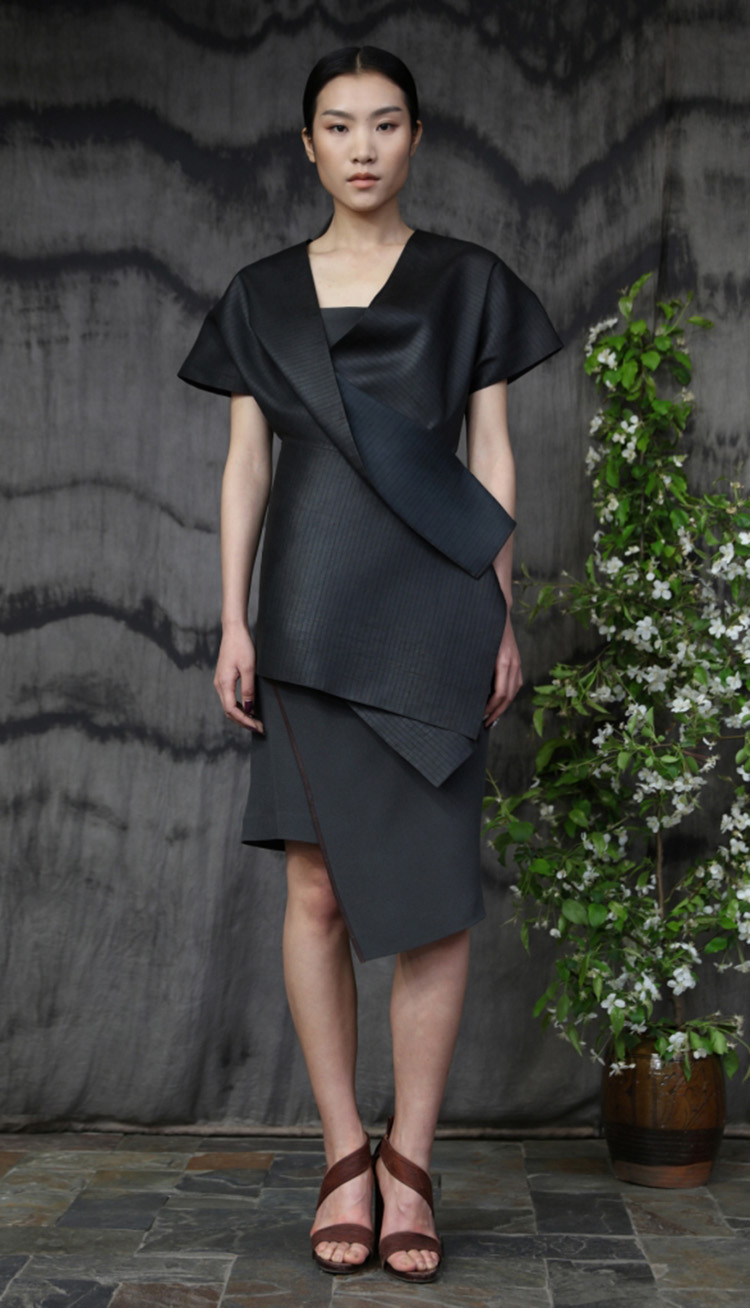 杭罗香云纱矩形裁剪上衣/ 真丝香云纱吊带裙/ Hang luo tea-silk rectangular cut top/ Rectangular cut silk strap dress.