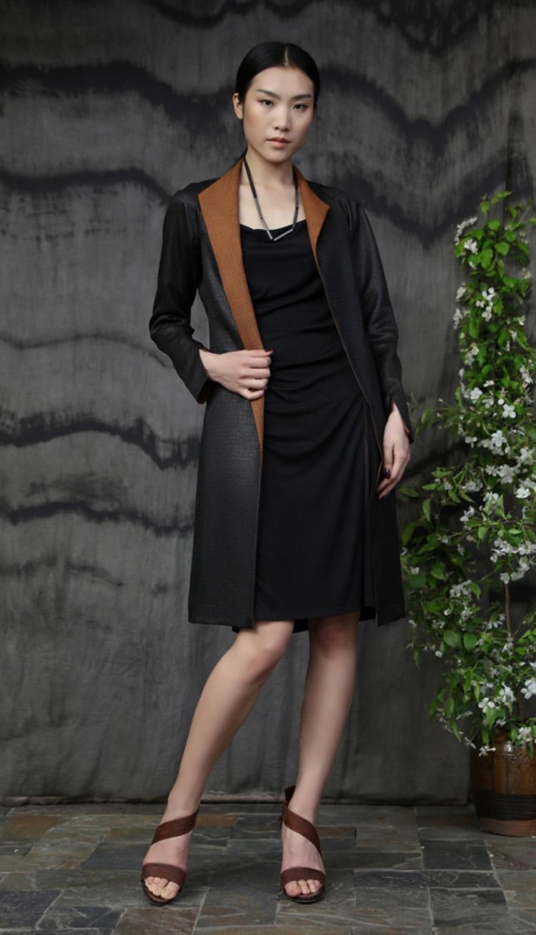 格子纹香云纱中长款风衣/ 真丝针织连衣裙/Tea-silk coat/ Silk dress with leather trim.