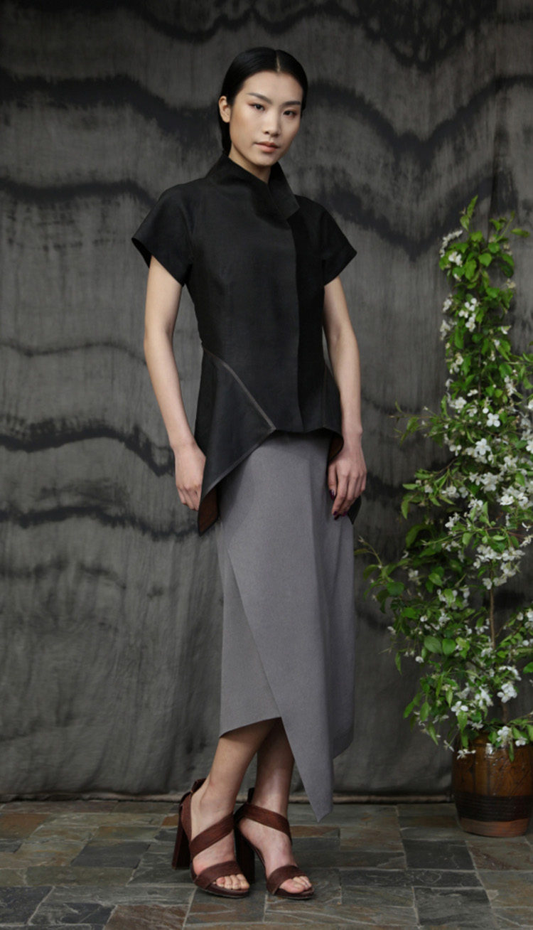 香云纱矩形裁剪夹克/ 五倍子植物手工染色吊带裙/Tea-silk rectangular cut jacket/ Gallnut natural dyed silk crepe strap dress.
