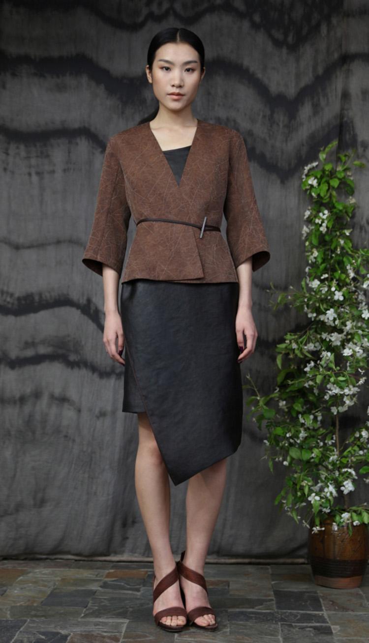 香云纱双面穿夹克/ 香云纱吊带裙/Tea-silk double face jacket/ Tea-silk strap dress.