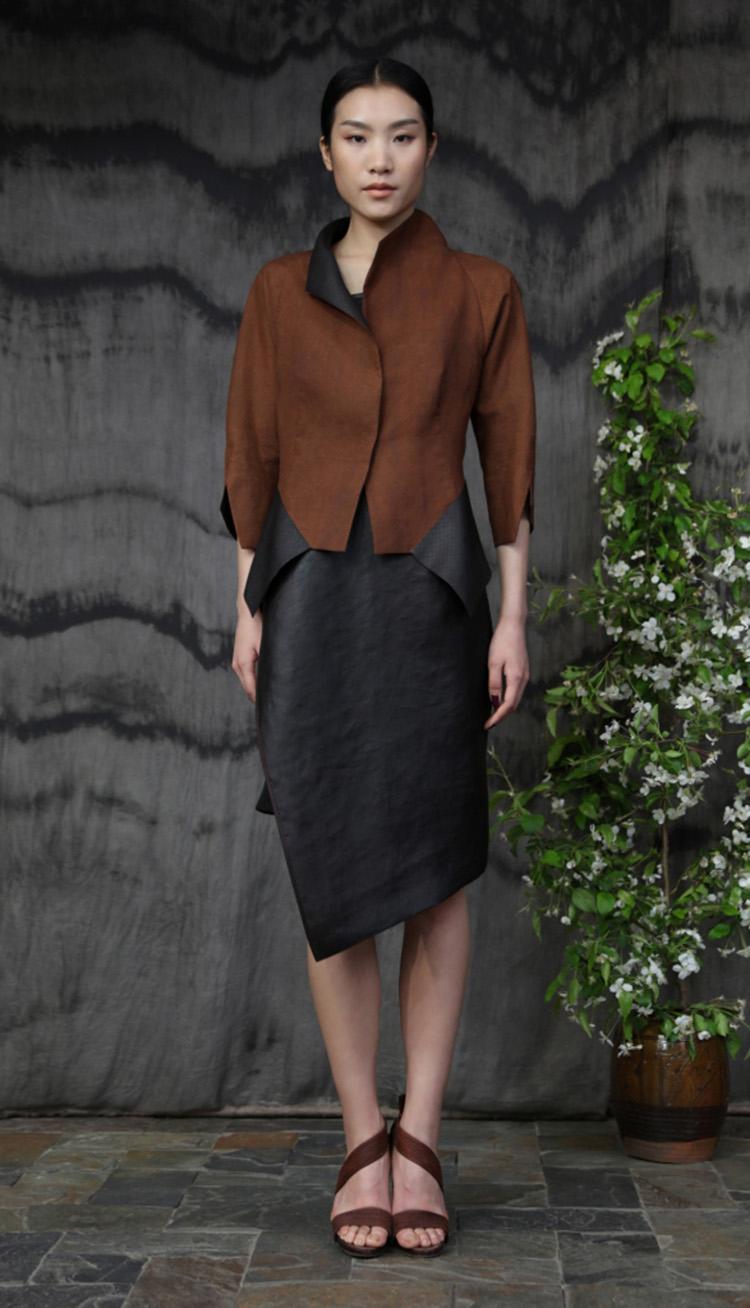 香云纱矩形剪裁夹克/ 香云纱吊带裙/Tea-silk rectangular cut jacket/ Tea-silk strap dress.