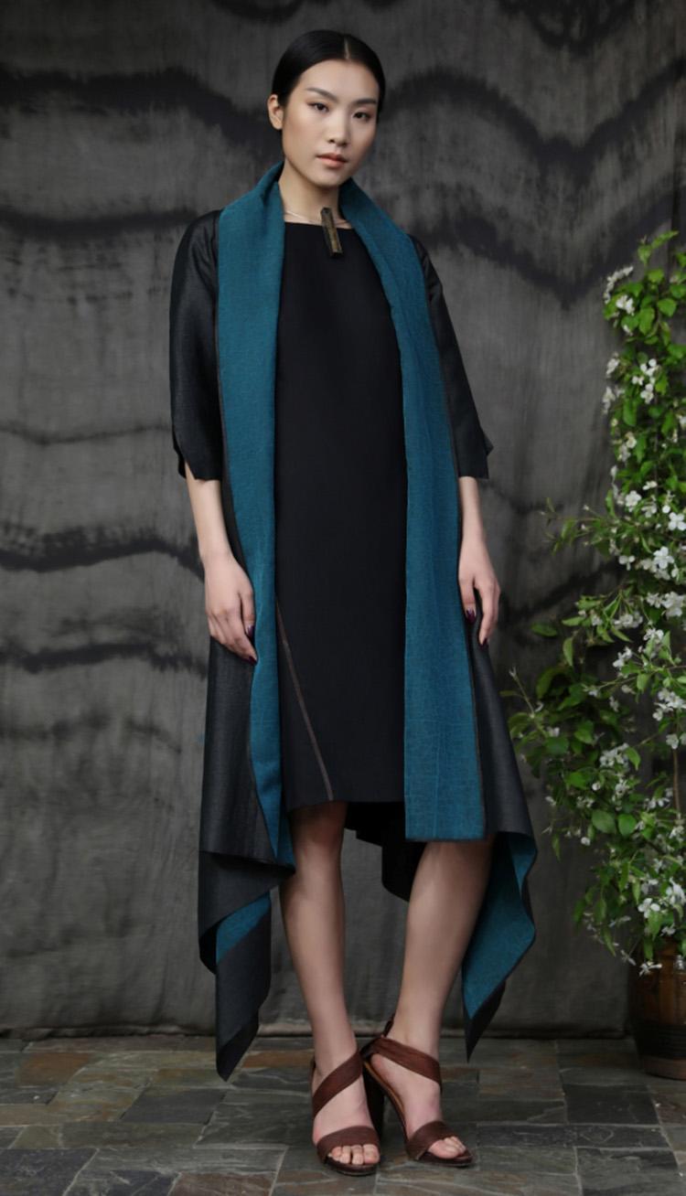 翡翠绿龟背纹香云纱矩形剪裁连衣裙/黑色重磅真丝肩部线袢链接款连衣裙/Emerald green tea-silk rectangular cut dress/ Silk crepe dress with fagotting.