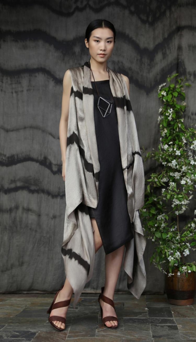植物手工染色长款披肩/ 香云纱矩形剪裁吊带裙/ Natural dyed scarf/ Tea silk rectangular cut strap dress.