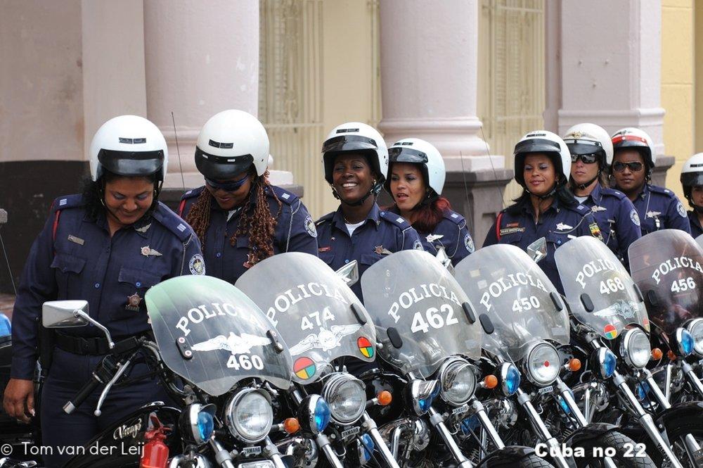 Mooi politiedames.jpg
