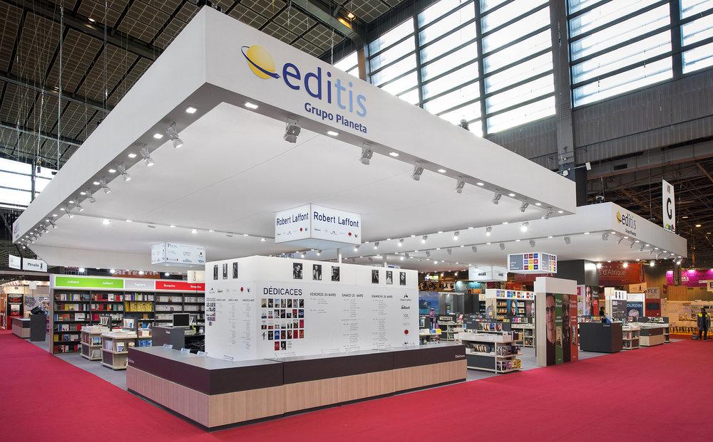STAND EXPOSITION EDITIS LIVRE PARIS 2017 ROBERT LAFFONT bd.jpg