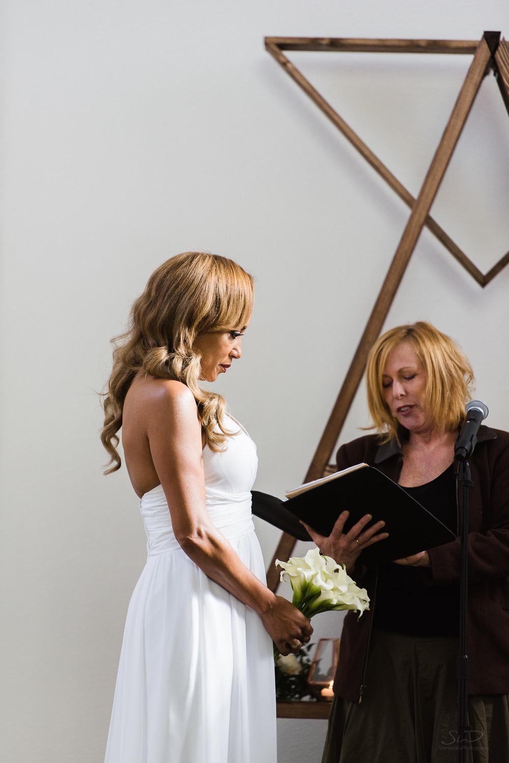 love-wins-out-los-angeles-highland-park-wedding-photography-york-manor-14.jpg