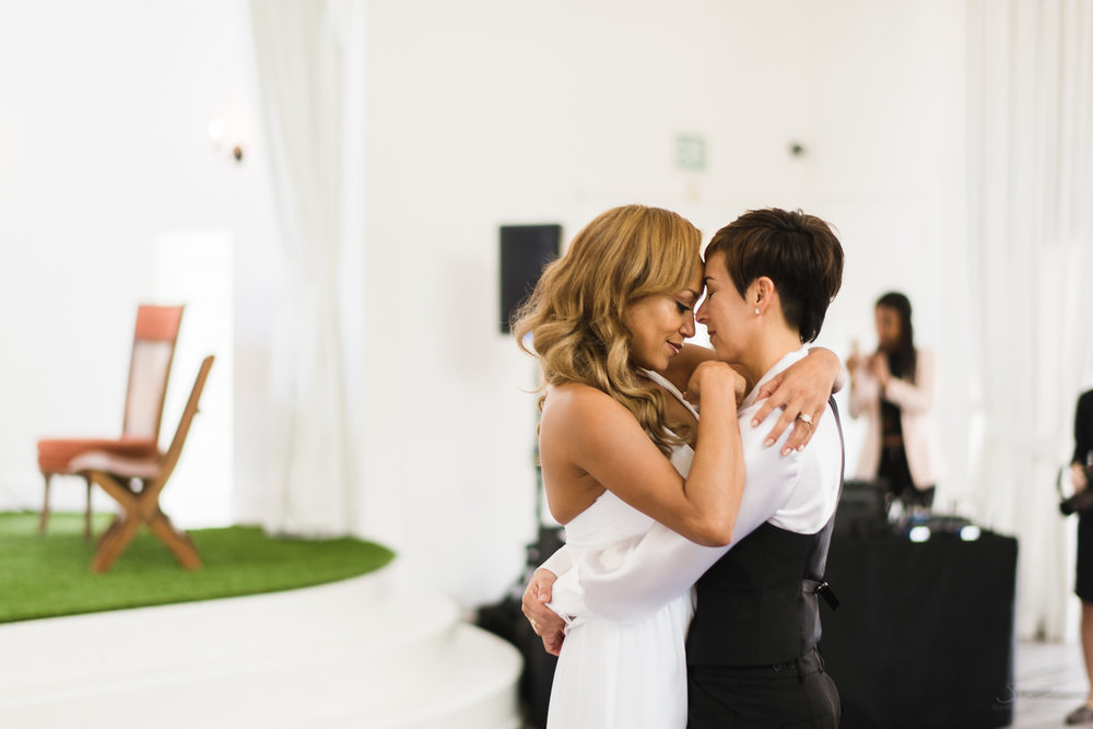 love-wins-out-los-angeles-highland-park-wedding-photography-york-manor-30.jpg