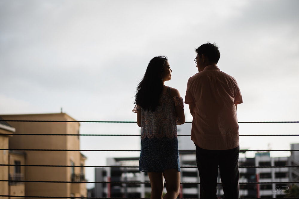 downtown-santa-monica-pier-and-beach-engagement-stanley-wu-photography-los-angeles-portrait-and-wedding-photographer-15.jpg