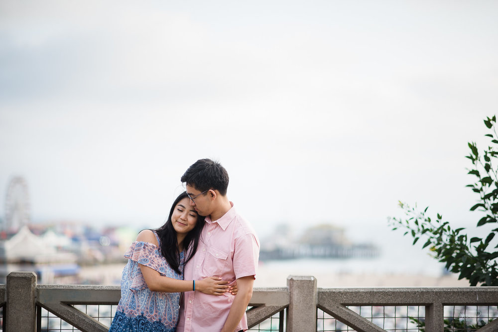 downtown-santa-monica-pier-and-beach-engagement-stanley-wu-photography-los-angeles-portrait-and-wedding-photographer-21.jpg