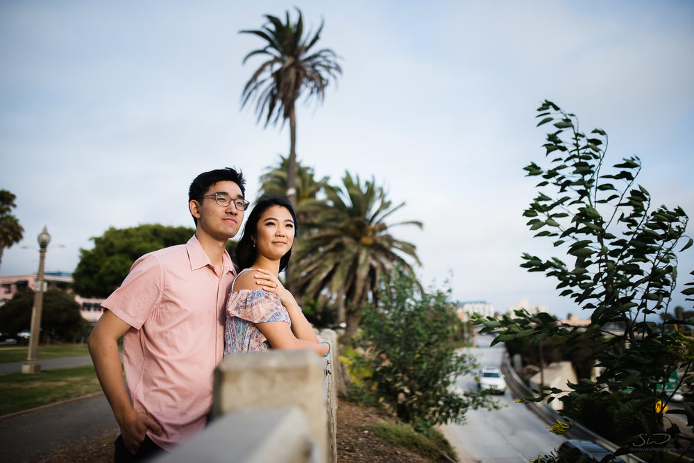 downtown-santa-monica-pier-and-beach-engagement-stanley-wu-photography-los-angeles-portrait-and-wedding-photographer-25.jpg