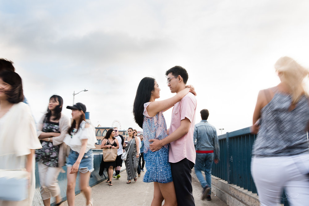 downtown-santa-monica-pier-and-beach-engagement-stanley-wu-photography-los-angeles-portrait-and-wedding-photographer-27.jpg