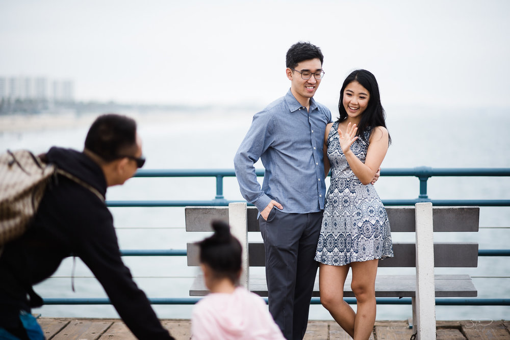 downtown-santa-monica-pier-and-beach-engagement-stanley-wu-photography-los-angeles-portrait-and-wedding-photographer-46.jpg