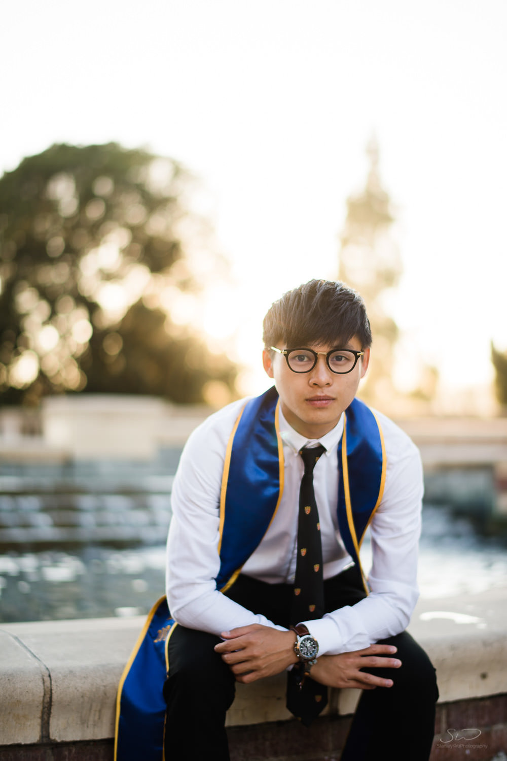 Fashionable Senior Portrait. Best graduation portrait photography, Los Angeles.