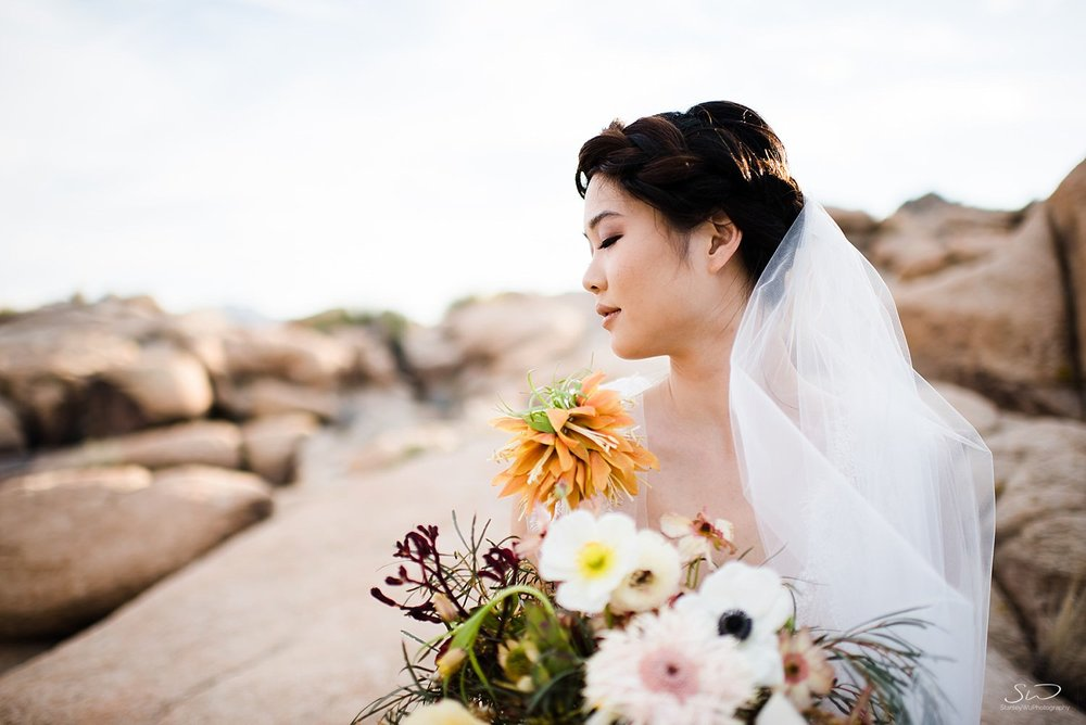 Beautiful bridal veil with bouquet | Joshua Tree Desert Wedding, Engagement, Elopement Inspiration