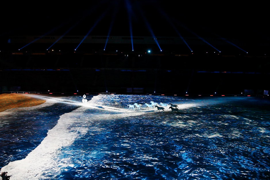 Jeux+Equestres+Mondiaux+–+Le+Tour+du+monde+en+80+chevaux+-+Stade+d'Ornano+-+Caen+-+2014+-+France+1.jpg