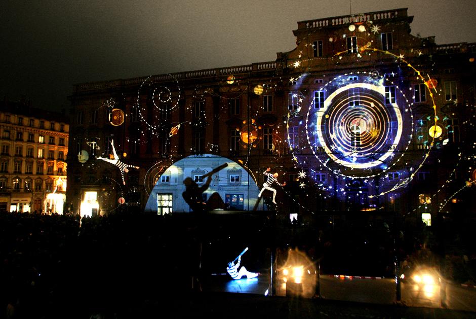 Fête+des+Lumières+-+%22Zône+d'ombres%22+-+Place+des+Terreaux+-+Lyon+-+2003+-+France+6.jpg