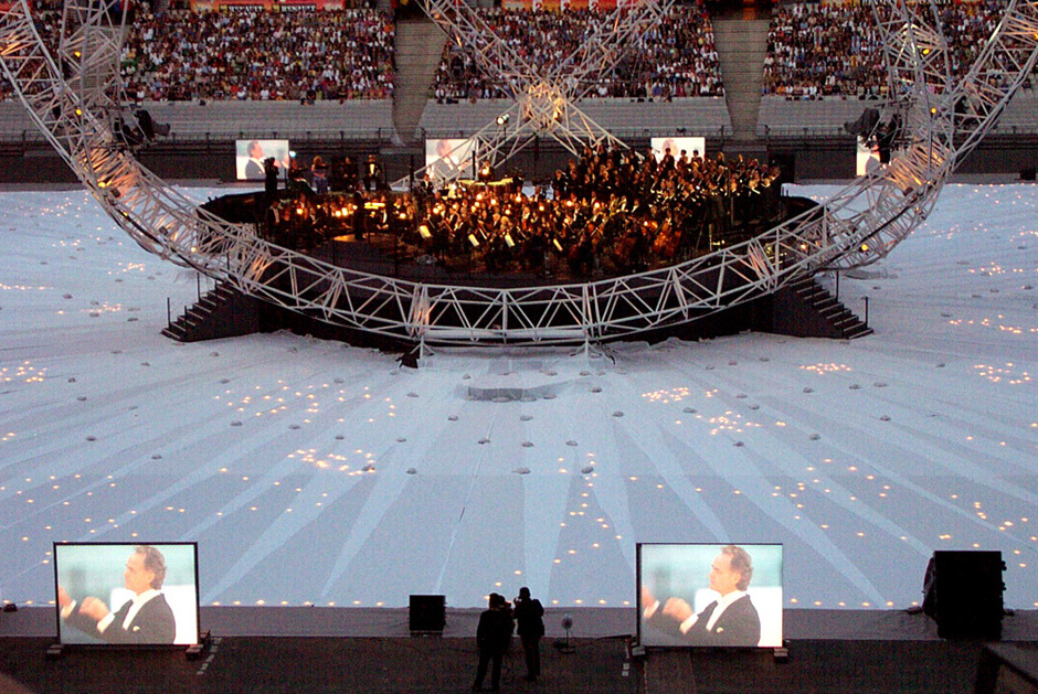 Stade+de+France+-+Opéra+Céleste+-+Verdi+Requiem+-+Paris+-+2002+-+France+2.jpg