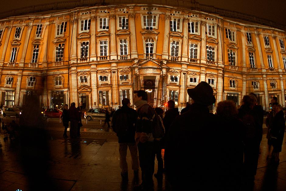Fête+des+Lumières+-+%22Réflections%22+-+Place+des+Terreaux+-+Lyon+-+2002+-+France+2.jpg