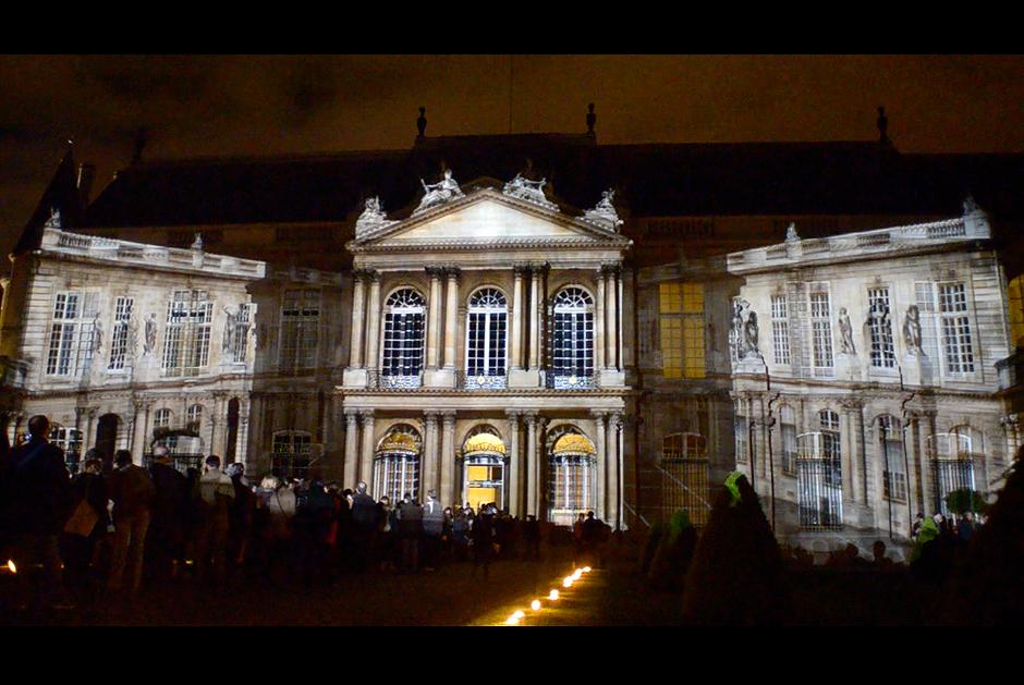 Nuit+des+Musées,+Métamorphose+les+Archives+Nationales+-2012+–+France+–+Façade+de+l'Hôtel+de+Soubise+–+Paris+021.jpg