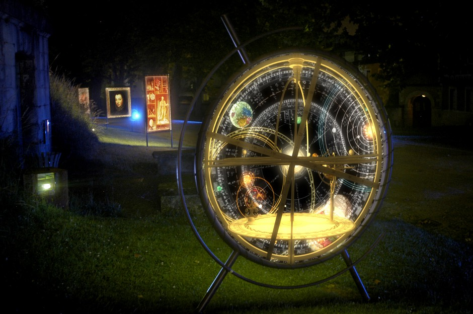 La+Lune+avec+les+dents+-+Château+de+Pau+-+Depuis+2010+–+France+6.jpg