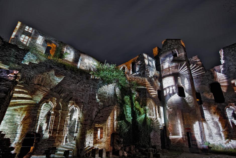 Rheinfels+-+Projection+sur+les+ruines+du+château+fort+-+2009+-+Allemagne+1.jpg