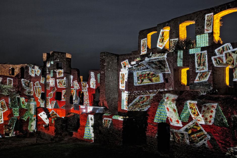 Rheinfels+-+Projection+sur+les+ruines+du+château+fort+-+2009+-+Allemagne+2.jpg