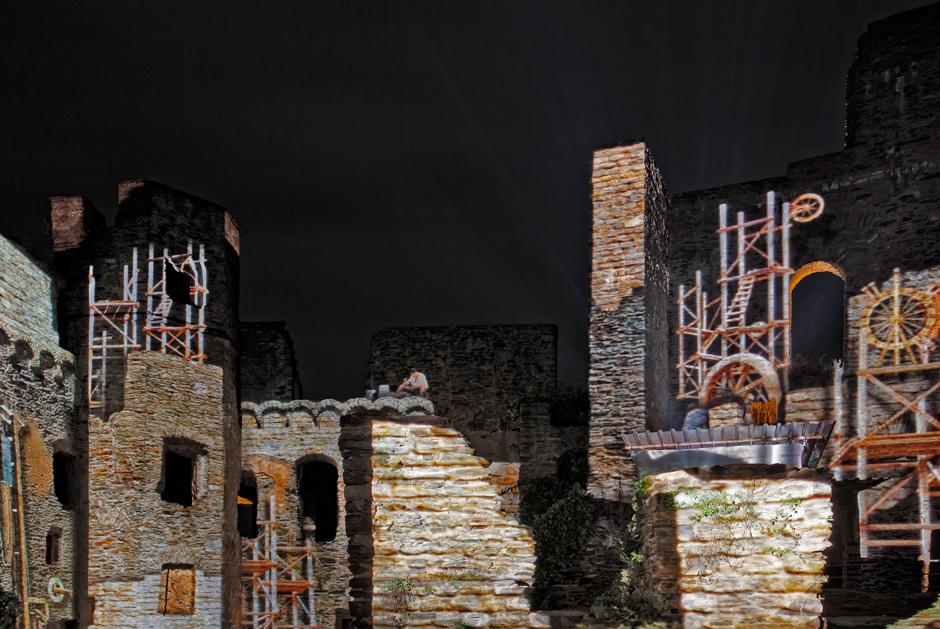 Rheinfels+-+Projection+sur+les+ruines+du+château+fort+-+2009+-+Allemagne+3.jpg