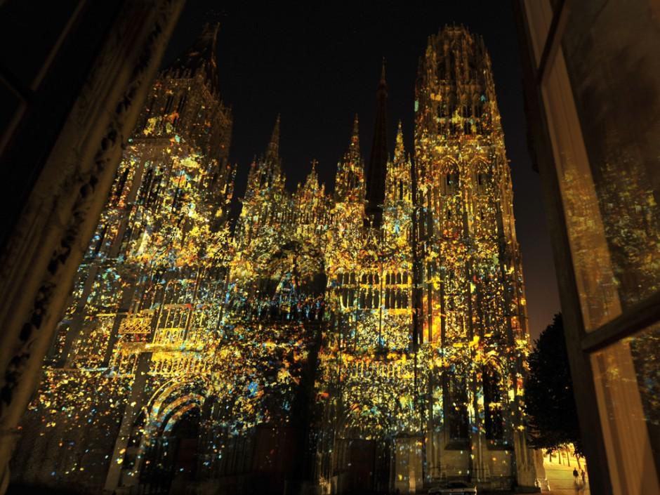 Rouen+Nuits+Impressionnistes+-+Zône+Sensible+-+Cathédrale+Notre-Dame+–+2009+–+France+5.jpg