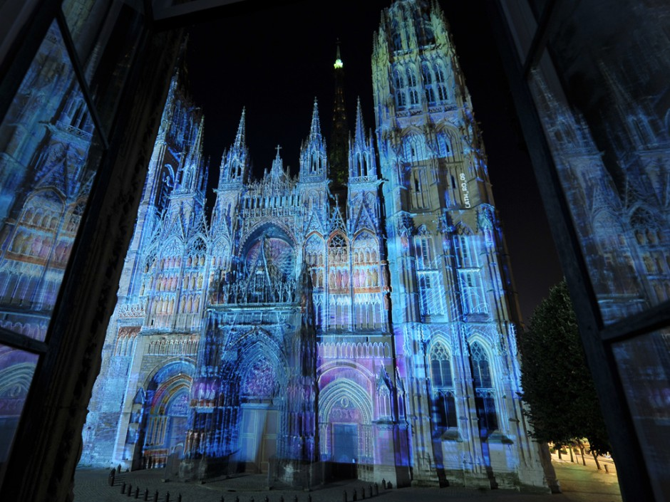 Rouen+Nuits+Impressionnistes+-+Zône+Sensible+-+Cathédrale+Notre-Dame+–+2009+–+France+8.jpg