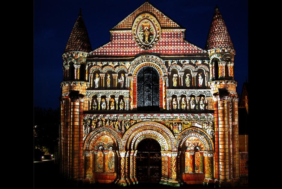 Polychromies+-+Poitiers+-+Notre-Dame-la-Grande+-+depuis+1995+-+France+3.jpg