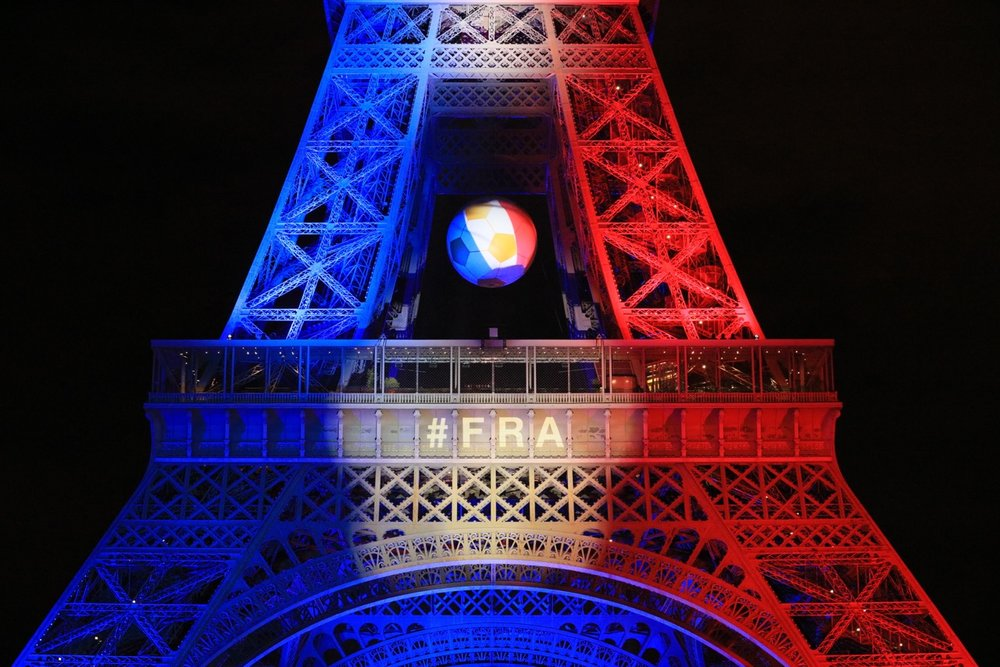 SPECTACLE TOUR EIFFEL - EURO 2016