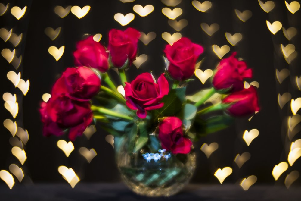 Roses-and-vase-tabletop.jpg