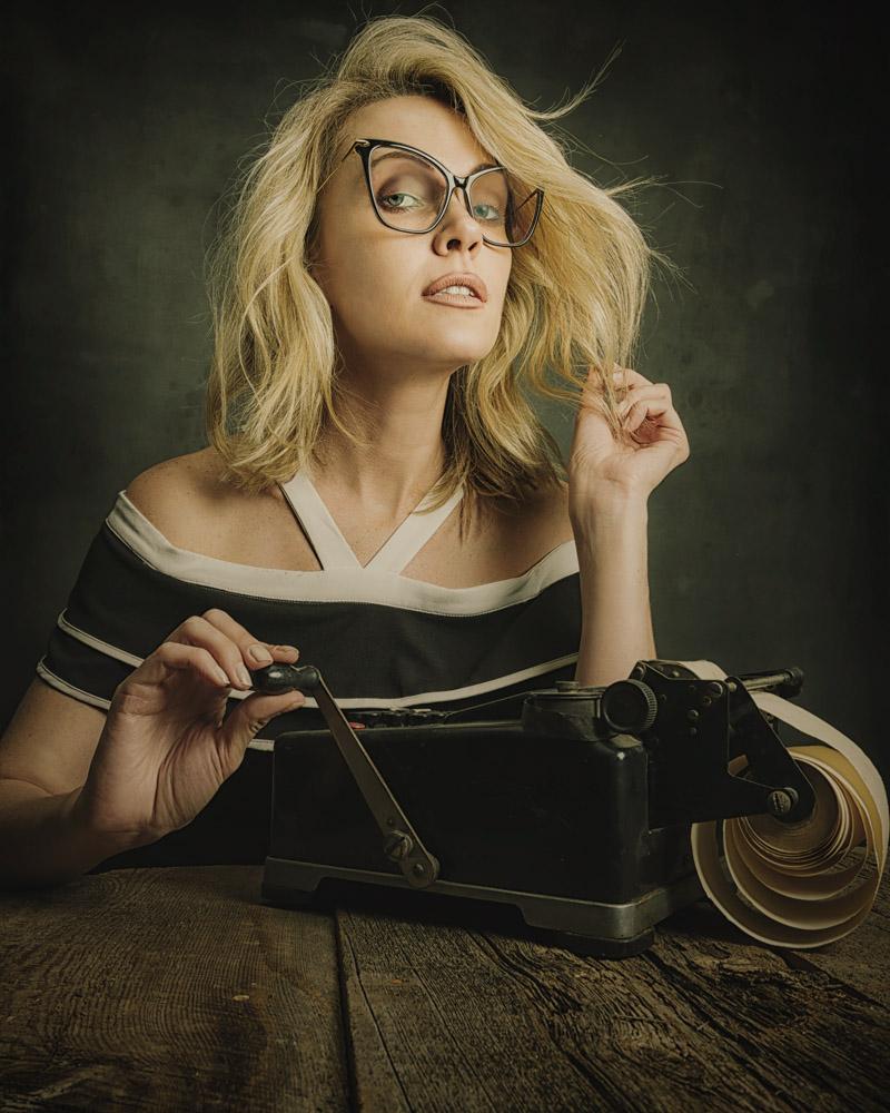 Fun table top portrait shoot with Tatiana 1.jpg