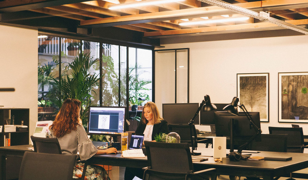 Atelier - Dedicated work spot in a shared closed work space.24/7 access to lobby and private work area.All services included.-€ 385/ month / pp