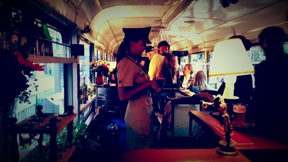 Tram DE LUX bar