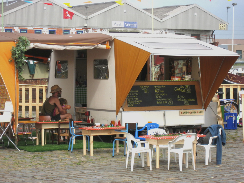 Campo Cadiz café caravan