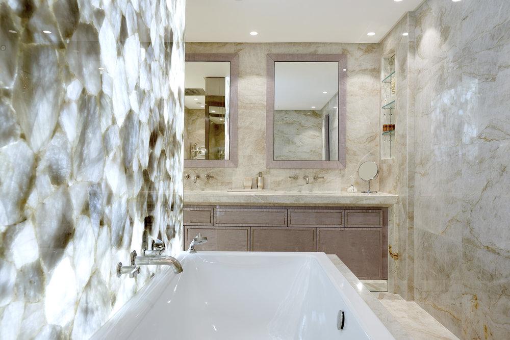 Main Bathroom_383_RT.jpg