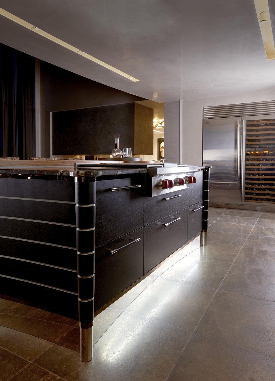 Kitchen_713_RT_F 1.jpg
