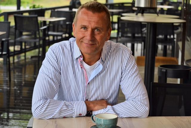 Juha Lantz uskoo positiivisen psykologian opeista olevan paljon hyötyä hänen työssään päihderiippuvaisten parissa.