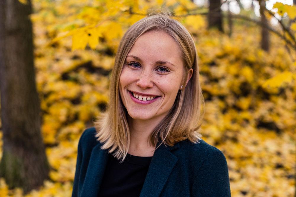 Netta Lehtonen  Co-Founder, Joylla  Soveltavan positiivisen psykologian maisteri (MAPP) ja kauppatieteiden kandidaatti (KTK), valmentaja, avustava luennoitsija ja module tutor (Applied Positive Psychology and Coaching Psychology, University of East London)  netta( at )joylla.com