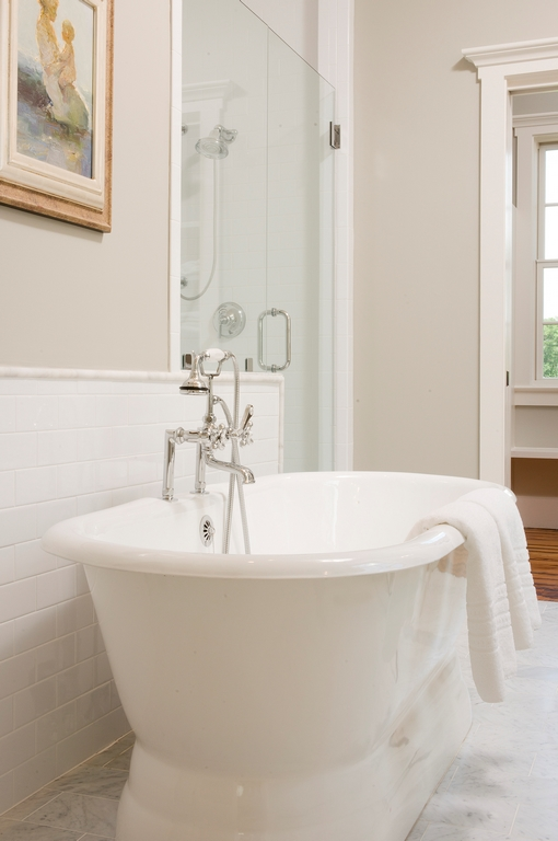 master bath tub (Copy).jpg