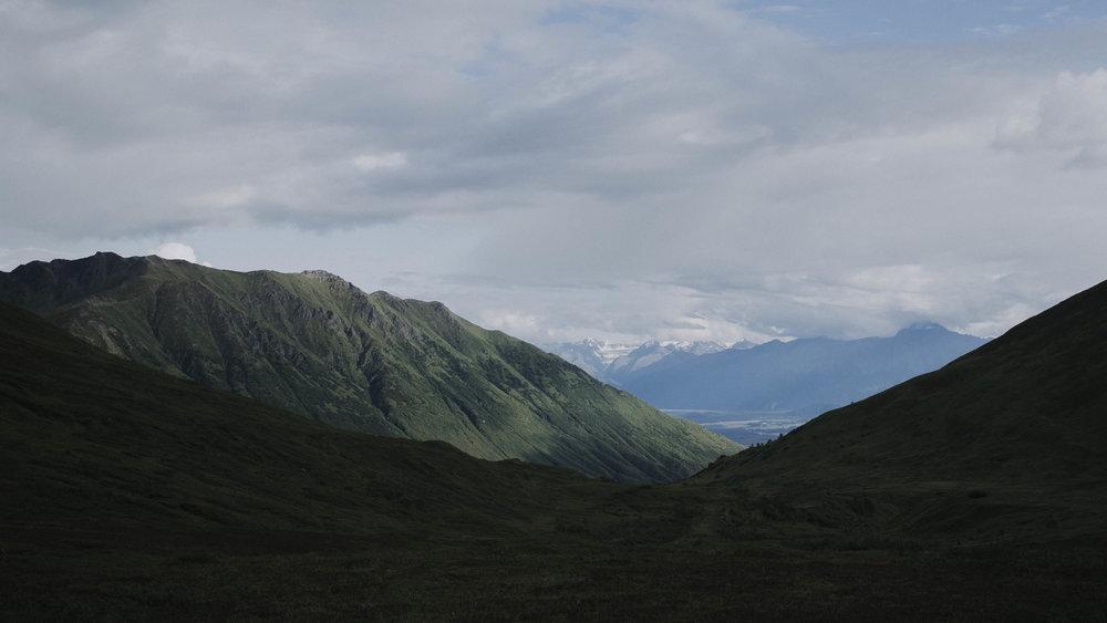 ariel-lynn-alaska-elopement-mountain-inspiration-4.jpg