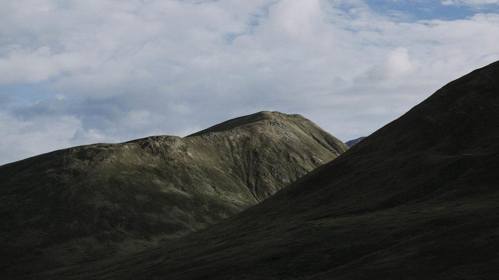 ariel-lynn-alaska-elopement-mountain-inspiration-17.jpg