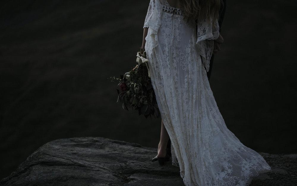 ariel-lynn-alaska-elopement-mountain-inspiration-30.jpg