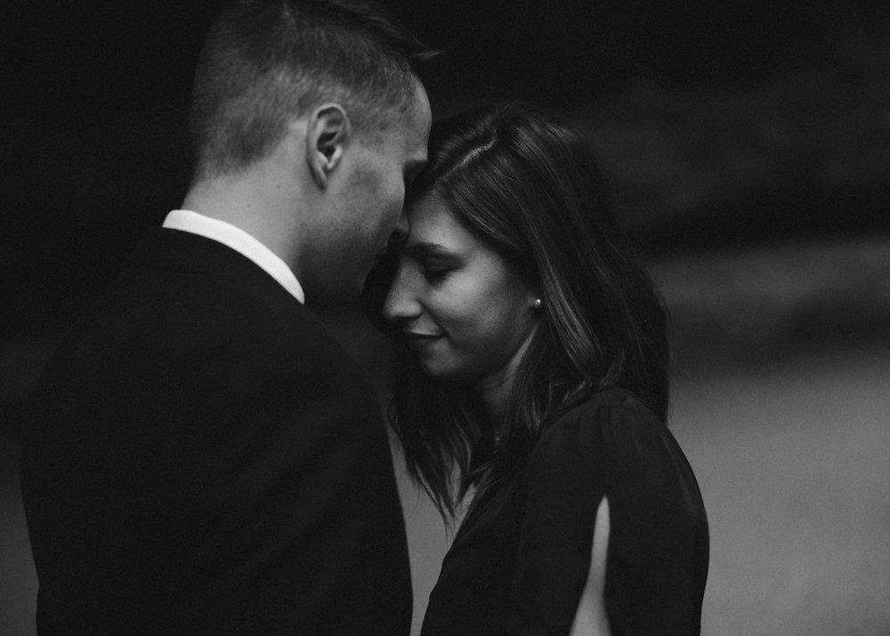 ariel-lynn-adventurous-film-elopement-inspo-41.jpg