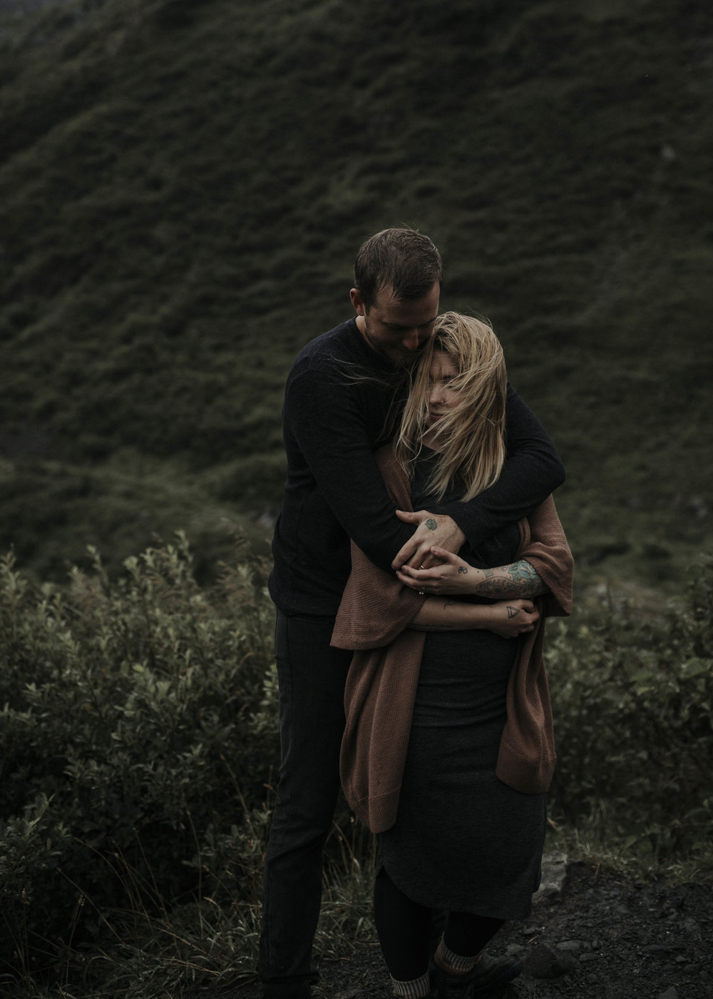 ariel-lynn-alaskan-mountain-couples-session-3.jpg