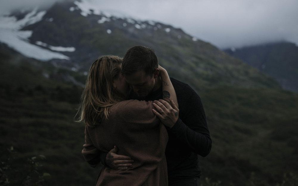 ariel-lynn-alaskan-mountain-couples-session-9.jpg